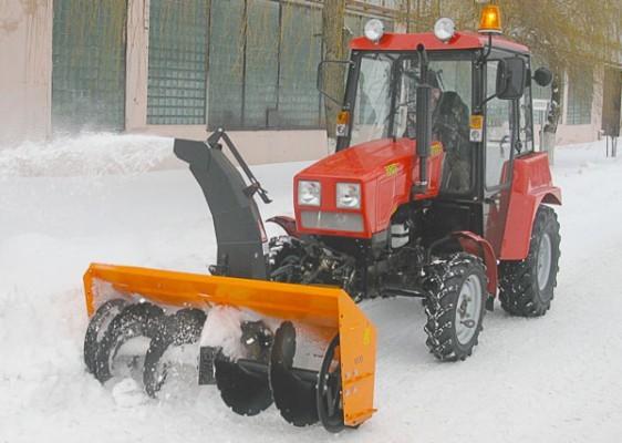 Механизированая уборка от снега тротуаров, дорог, прилегающих территорий.